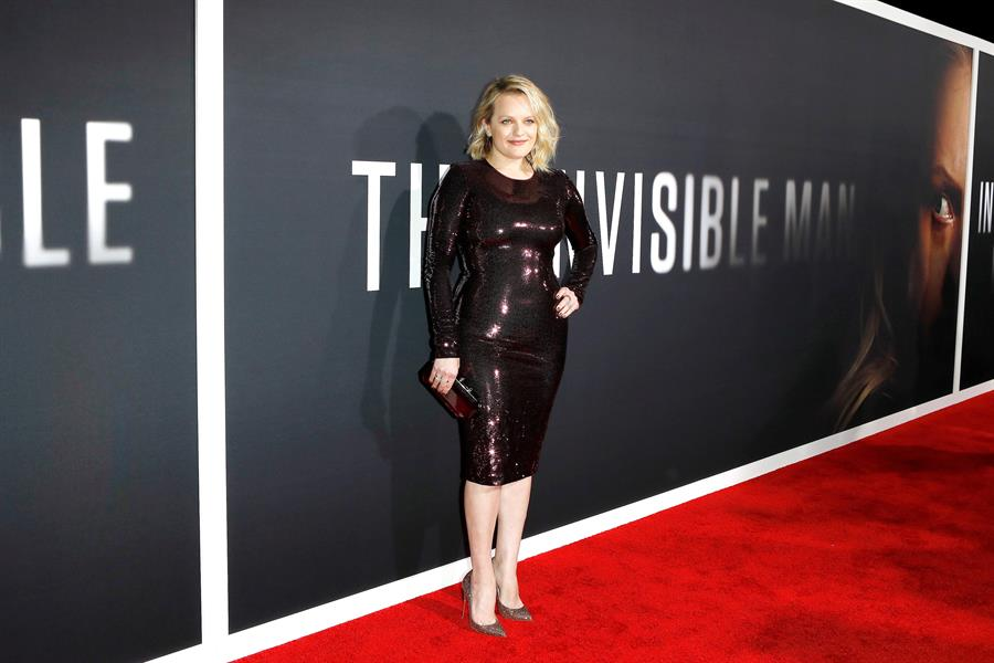 "Elisabeth Moss no pasa desapercibida en el estreno de ""The Invisible Man"""